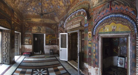 Dada Siba Temple: narthex panorama