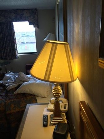 Oh St Joseph Resort Hotel: lamp shade
