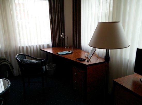 Hotel Arkadia: Desk