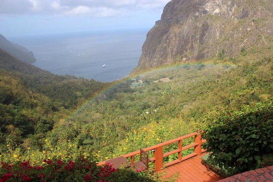 Ladera Resort: One of several rainbows