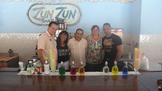 Hotel Pelicano: En el Zun Zun con nuestros amigos!!