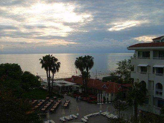 Sun Beach Hotel: Das Mittelmeer vor der Nase