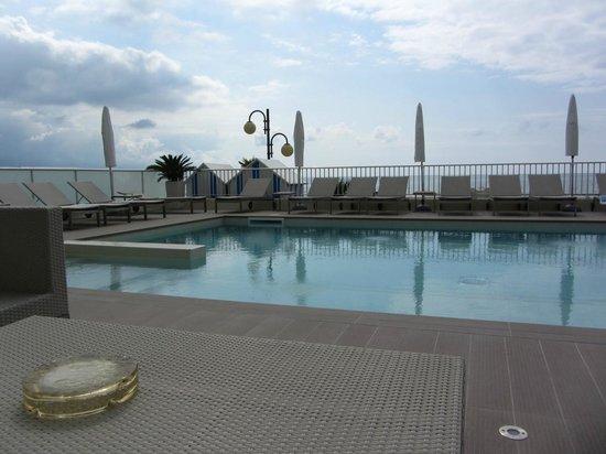 Hotel Canarie: Piscina