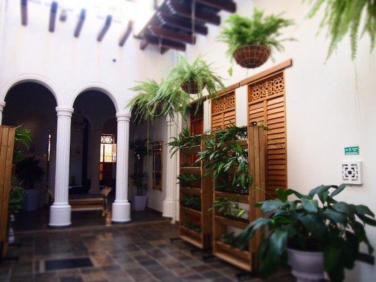 Casa de Leda - a Kali Hotel: Open Courtyard