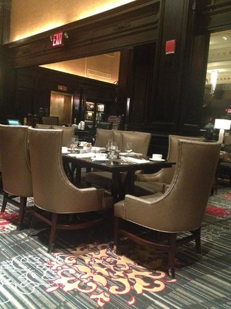 The Algonquin Hotel Times Square, Autograph Collection : Dining Area