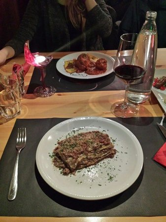 Enoteca dei Tadi : Lasagnette alle 4 carni bianche e polpette della nonna con polenta