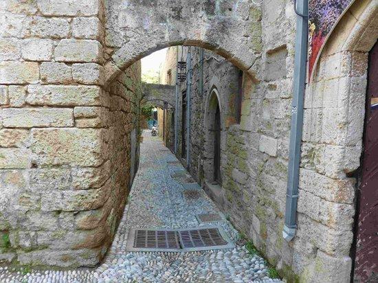 Medieval City: Alleyway