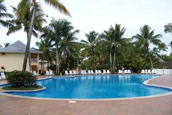 Grand Bahía Principe San Juan: Eastern pool - small but quite nice