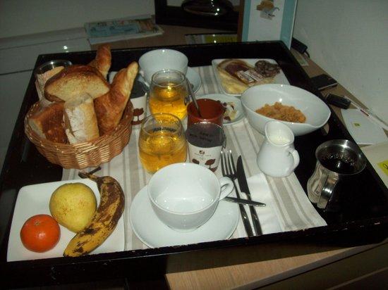 Hotel Les 2 Rives: le petit déjeuner pour 2