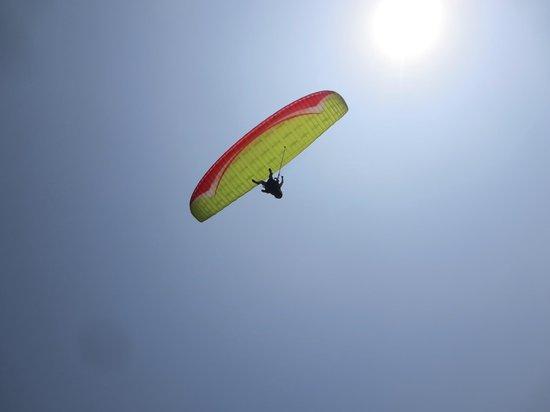 Aeroxtreme Escuela de Parapente: Alrededor de 600 msnm en San Fernando, Pachacamac - Lima - Peru
