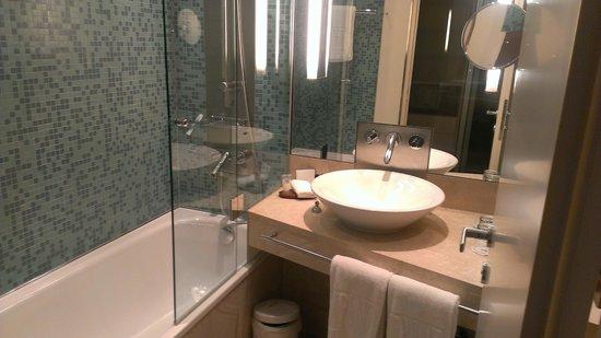 The Penz Hotel: Ванная комната
