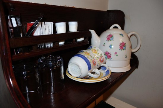 Annagh House: Tea and coffee in the rooms