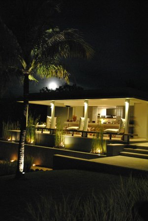 The Lombok Lodge : Moon is rising