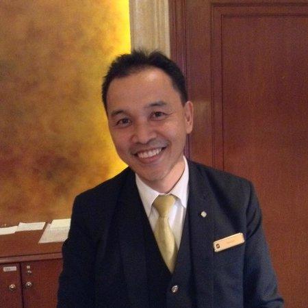 Shangri-La Hotel, Singapore: Hassan