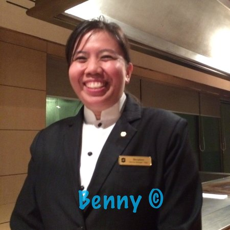 Shangri-La Hotel, Singapore : Lots of helpful staff