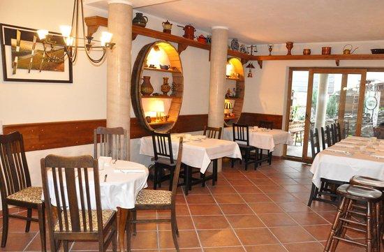 Perabos Gasthof Weingut & Gästehaus Restaurant mit Vinothek: Wein-Restaurant