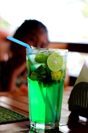 Barefoot Bar & Brasserie: Lemon and Mint Drink