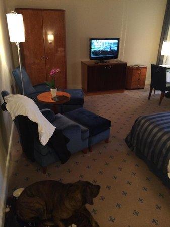 """Hotel Fürstenhof, a Luxury Collection Hotel, Leipzig: """"Grand Deluxe"""" Zimmer. Aha."""