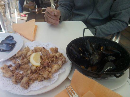 Restaurante El Caracol: Chopitos y mejillones vapor TAPAS