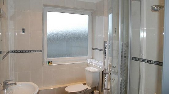 The Beveridge Park Hotel: Bathroom