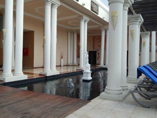 Grand Palladium Jamaica Resort & Spa: pres des restos