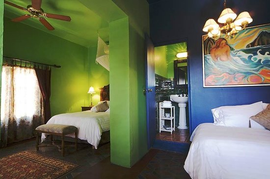 Hotel California: Room #10
