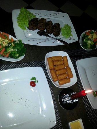 La Pampa Steak House: Beef file menu for two