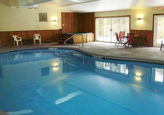 Quality Inn Barre/Montpelier : Heated Indoor Pool
