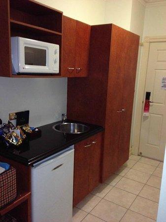 Adina Apartment Hotel Brisbane Anzac Square: Küchenecke