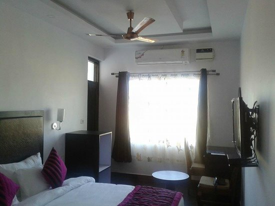 Paonta Sahib, Indien: Luxury Room