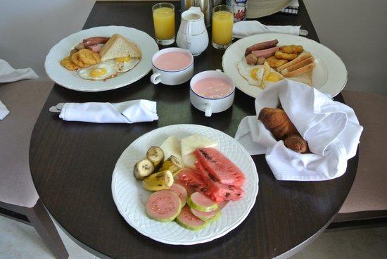 Paradisus Princesa del Mar Resort & Spa: Room Service - Caribbean Breakfast