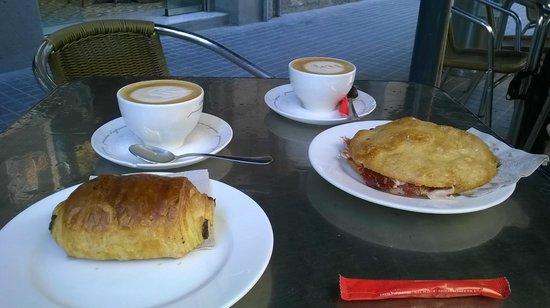 Crustó Bakery Barcelona: Great breakfast, coffee