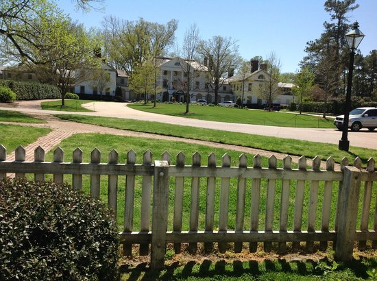 Colonial Houses-Colonial Williamsburg: The view from the Orrell Kitchen House