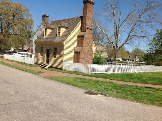 Colonial Houses-Colonial Williamsburg: The Orrell Kitchen House