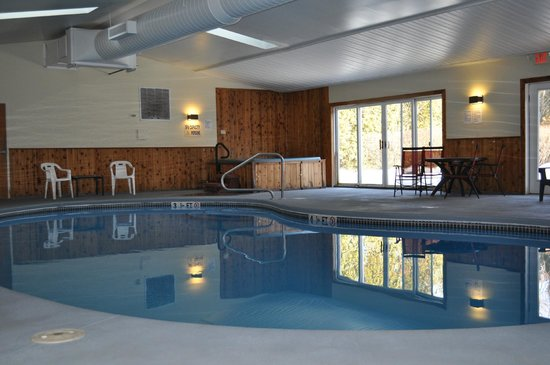 Quality Inn Barre/Montpelier : Indoor Heated Pool/ Hot Tub