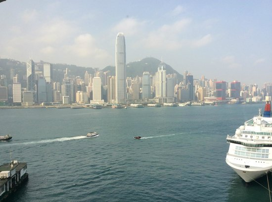 Marco Polo Hongkong Hotel : The View from the Room - outstanding