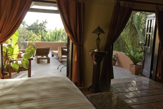 Hotel California: Room #14