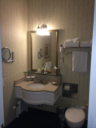 The Drake Hotel: 2nd Bathroom