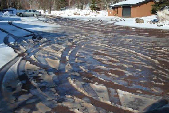 Lutsen Resort on Lake Superior: Parking lot