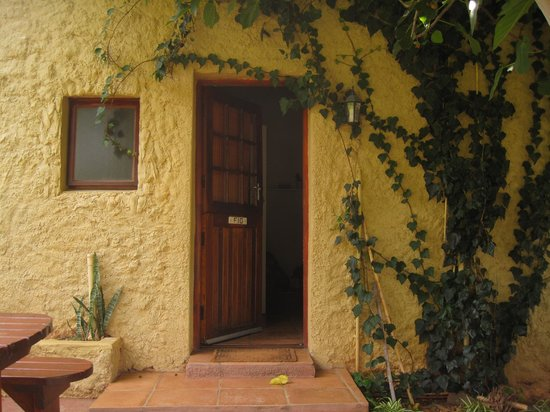 Pat Busch Mountain Reserve: view of the cottage front door