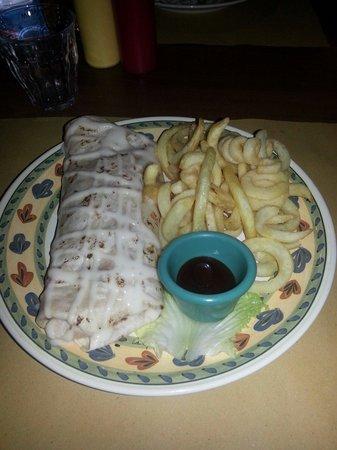 Winchester Saloon: Burritos con carne di manzo e verdure speziate con patatine