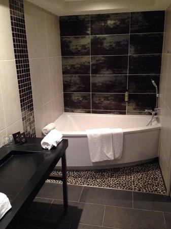 Plaza Madeleine & Spa: Salle de bain - chambre prestige