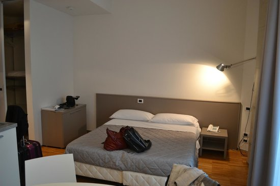 Mantova Residence: bed