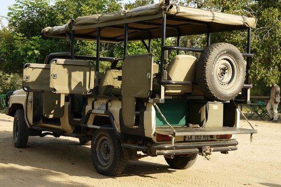 Imbali Safari Lodge: Our safari vehicle