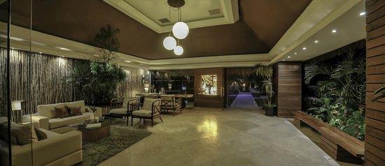 Magic Blue Hotel: Lobby