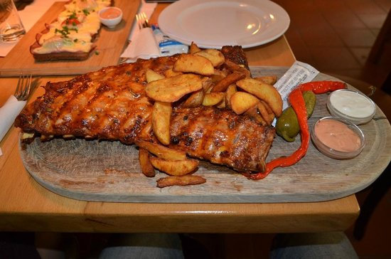 Grinzinger Brau: spare ribs: meraviglioso!