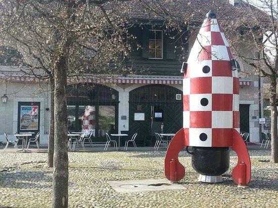 Chateau de Penthes: La fusée d'Objectif Penthes sur la place des Waldstatten