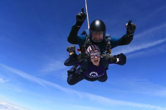 Peterlee Parachute Centre: My sky dive
