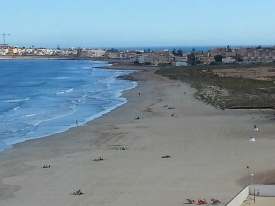Hotel Entremares: Viem from the room on the beach