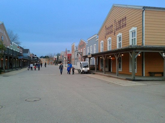 Disney's Hotel Cheyenne: Jesse James